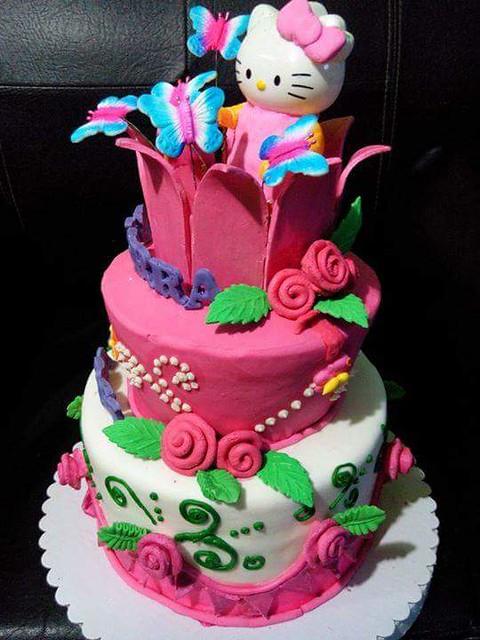 Hello Kitty Cake by AnnaMarie Cayabyab Villaflores