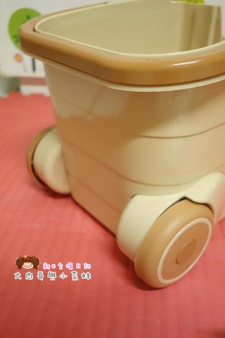 易拖寶Easymop 3D魔術雙驅動免沾手全能旋轉拖把 (25).JPG
