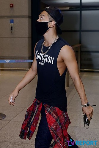 taeyang_return_from_chengdu_incheon-20140615 (19)
