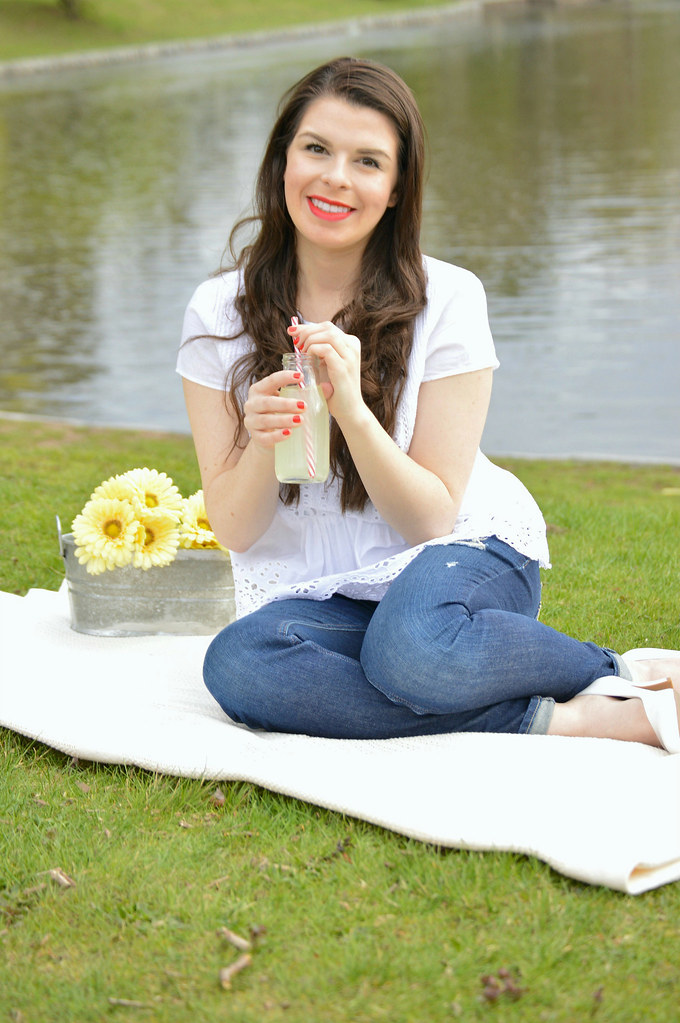 picnic-nature-flowers