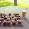 Breakfast al fresco: banana blueberry muffins and smoothies for all!