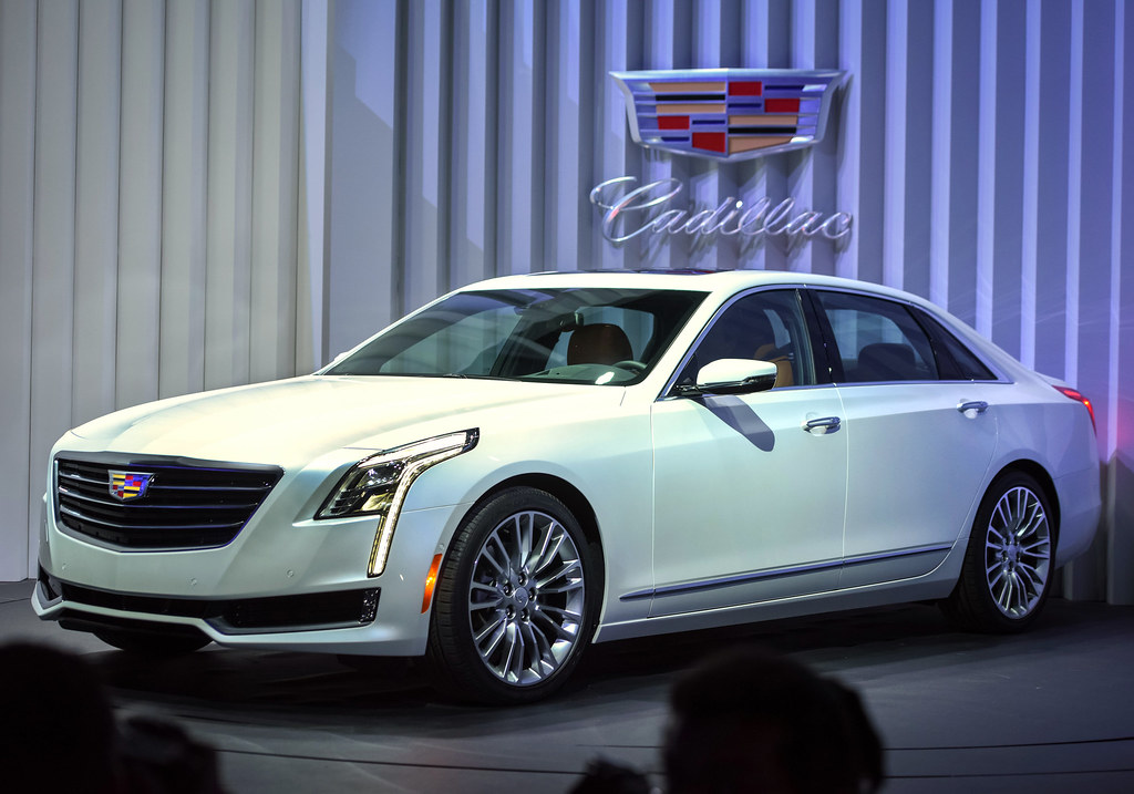 2016 Cadillac CT6 live photos: 2015 New York Auto Show