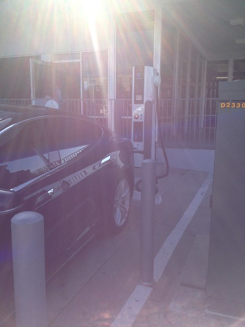 Thanks for the quick charge @PacificNissan, you're a credit to the #EV community.  Letting a @TeslaMotors Model S charge!