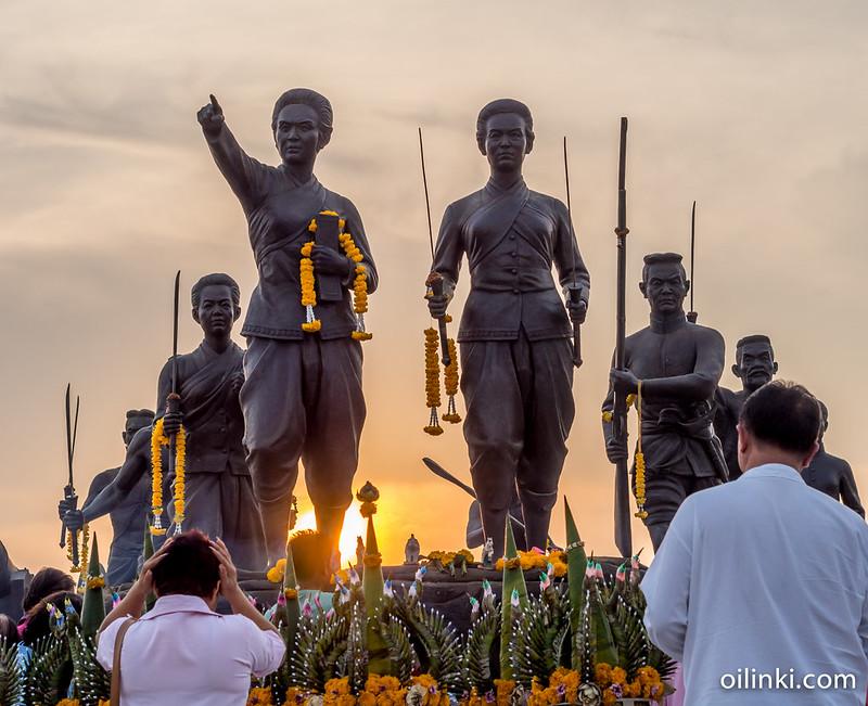 Two heroines festival in Phuket 2015