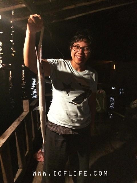 memancing di beranda