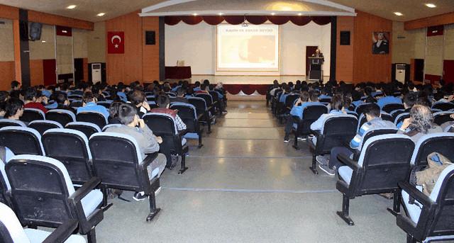 """Rektör Tarhan'dan Lise öğrencilerine """"Sağlam Kişilik Yapısı Geliştirme"""" konferansı 3"""