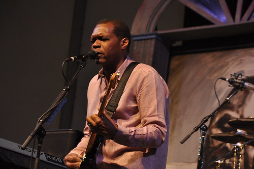 The Robert Cray Band in the Blues Tent.  Photo by leonastrassbergsteiner.com
