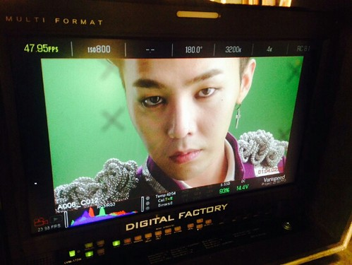 G-Dragon - Tower of Saviors - 2014 - BTS - 08