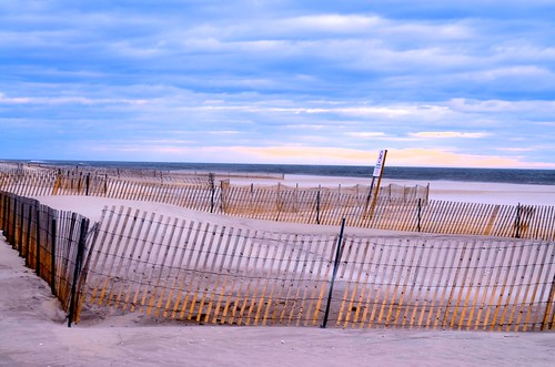 beach march sand cloudy windy jonesbeach beachfence 2015 nikond5100 parkingfield6