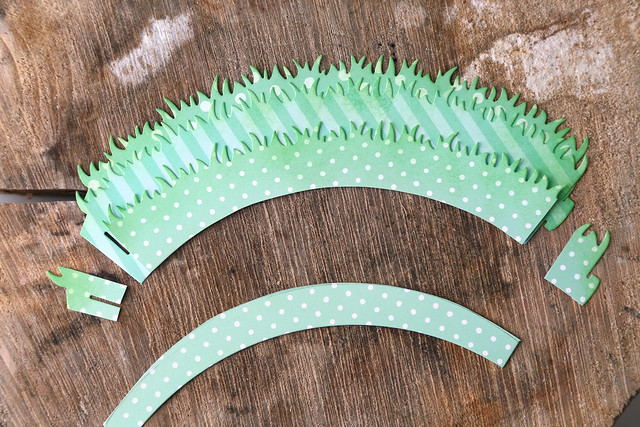 layered grassy cupcake liners {lawn fawn inspiration week}
