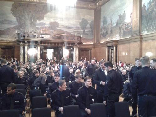 Vereidigung junger Polizistinnen und Polizisten im April 2015