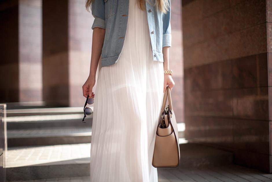 white-pleated-dress-street-style