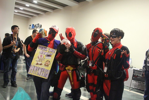 Deadpool cosplayers