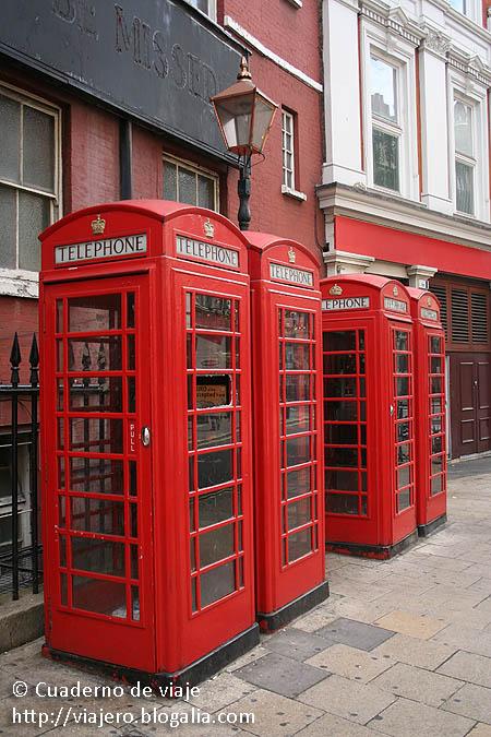 Cabinas telefónicas © Paco Bellido, 2006
