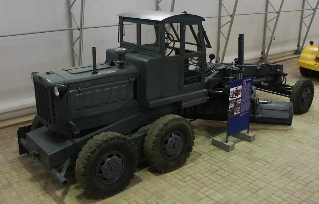 автогрейдер В-10