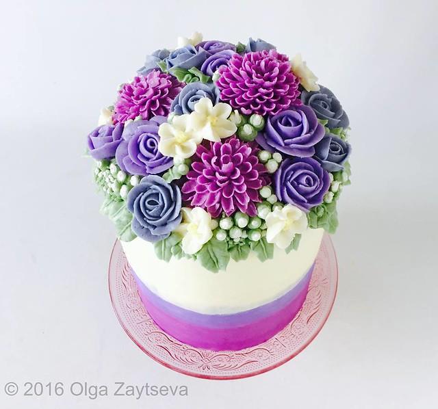 Pretty Floral Cake by Olga Zaytseva