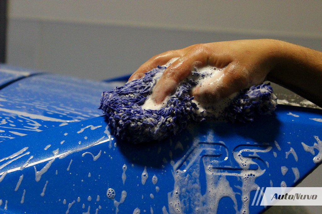 Washing mitt, washing the paint