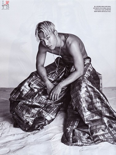 Taeyang_Vogue-Magazine-July-2014_scan_urthesun (18)