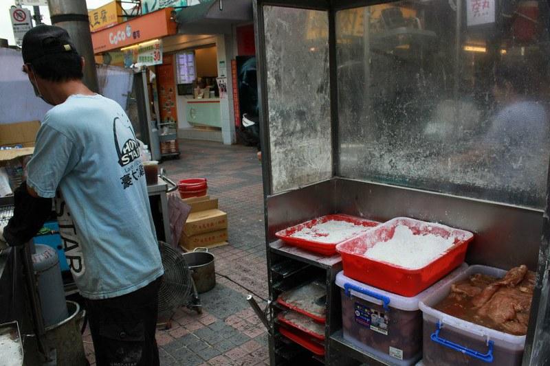 台北士林夜市必訪美食-評比文-雞排篇-17度C在地推薦- (33)