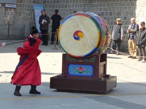 Co-Seoul-Palais-Deoksugung-Gardes-Changement (15)