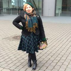 Whisky tasting - the single girl and the single malt. Dress boden, duo boots, blazer bonprix/ glööckner