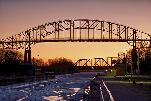 sunset snow ontario ice frozen saultstemarie parkscanada soolocks internationalbridge nationalhistoricsite stmarysriver 8seconds graduatedneutraldensityfilter saultlocks nikcolorefex saultcanal tonalcontrast canadianlock leeseven5 xf55200mm fujixt1