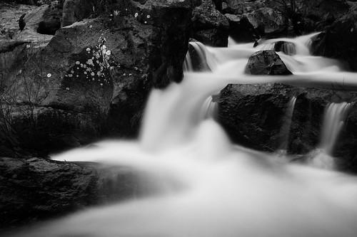 Queda de água 2 - Outeiro