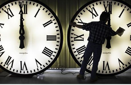 torna-il-cambio-dellora-orologi-avanti-unora--L-PiUeMw
