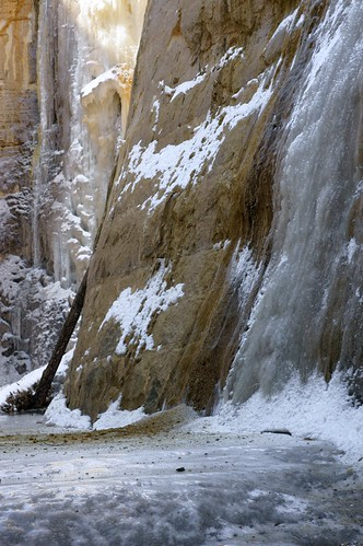winter usa snow ice nature minnesota vertical landscape frozen rocks solitude canyon geology saintpaul winterwonderland iceflow frozenwaterfall adjustedcolor minoltamd50mmf17 crosbyfarmpark mississippinationalriverandrecreationarea sonynex5n adjustedhighlights