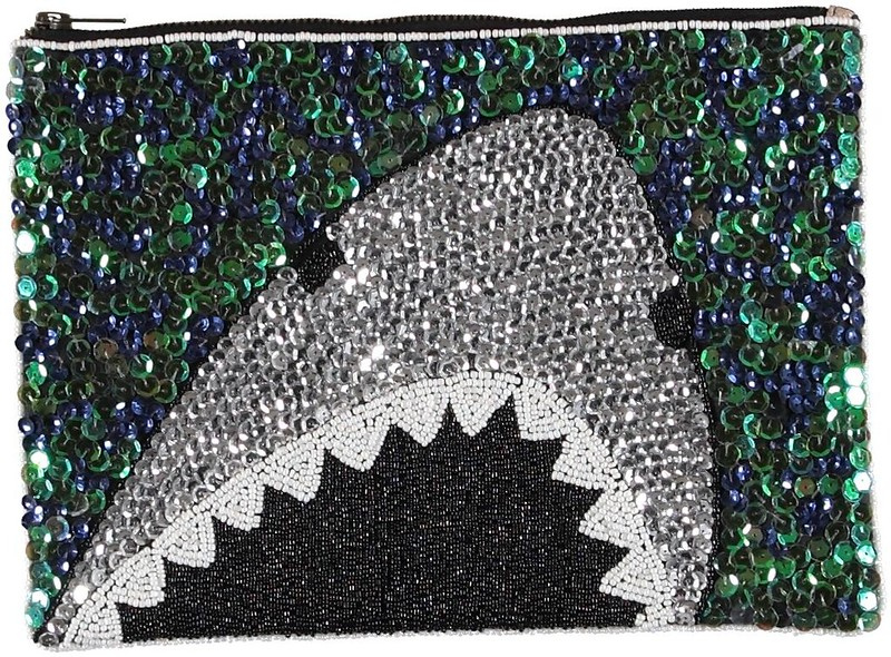 EssentielSS15SharkClutch