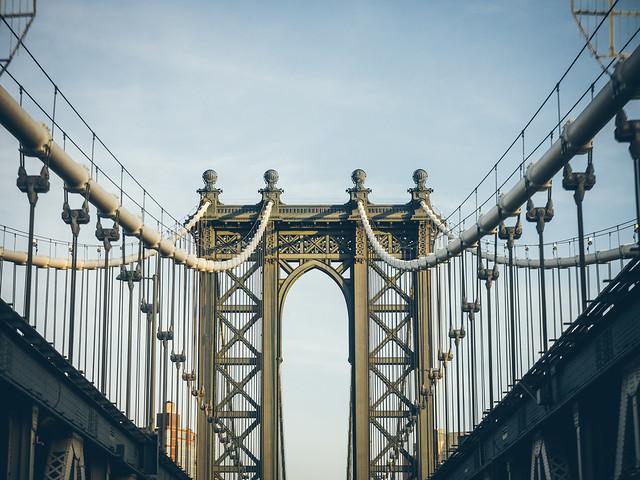 { Manhattan Bridge }