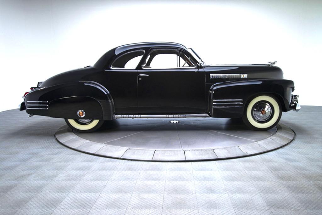 41030_E Cadillac Series 62 346CI Monobloc V8 3SPD Sedanette_Black