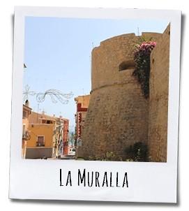 De vestingmuur moest de inwoners van het stadje beschermen tegen de aanvallen van Barbarijse piraten