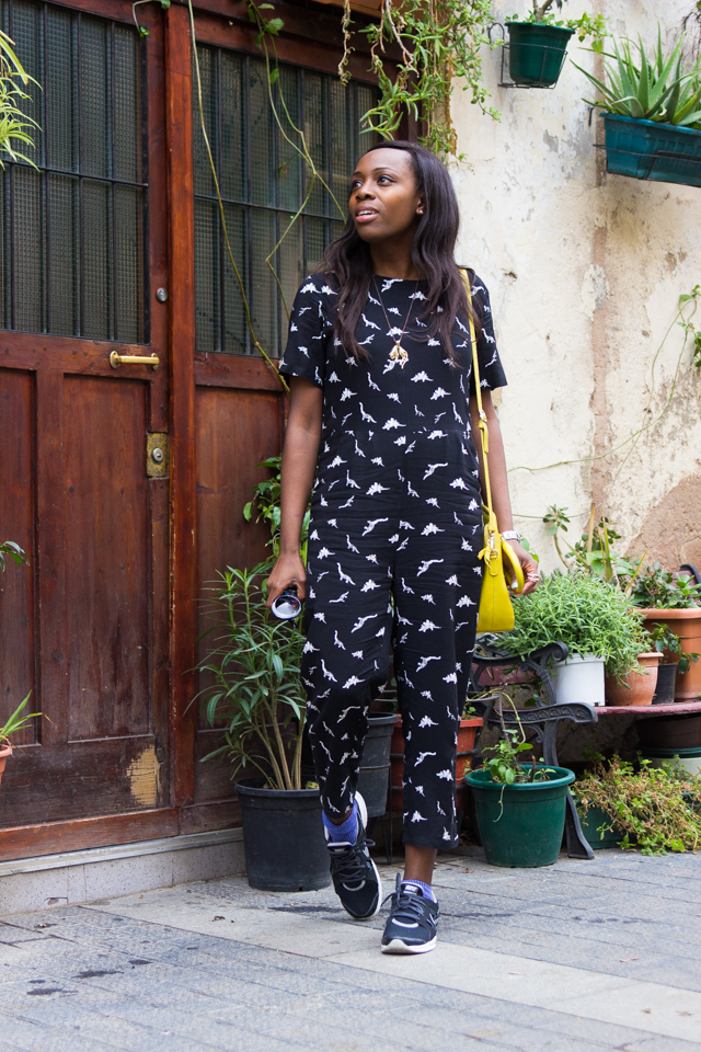 How to wear a printed jumpsuit