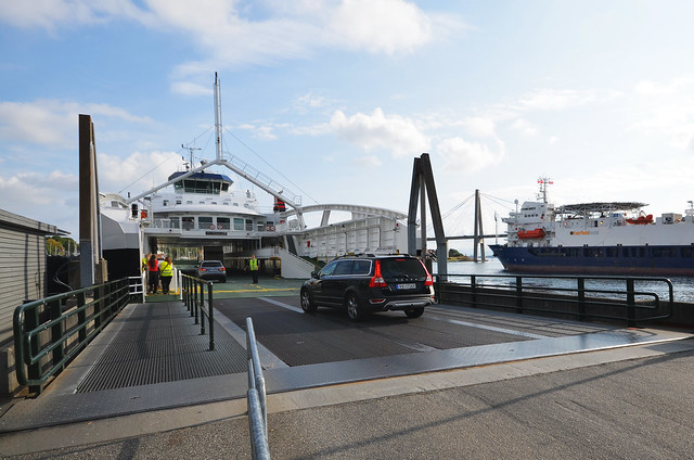 Ferry de Tau a Stavanger para ir luego en autobús hasta Preikestolhytta