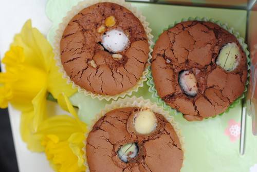 Three ingredient easter brownies with nuttella. Baking with kids. easy