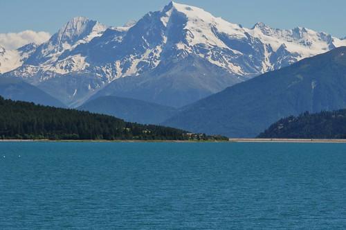 L'Ortles (3905 m) et le lac de Resia, Curon Venosta, province de Bolzano, Trentin-Haut Adige, Italie.
