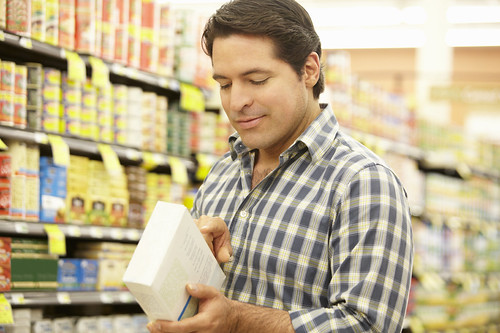 EFNEP provides food and nutrition information to limited-resource families, including how to understand the nutrition information provided on food labels. (iStock image)