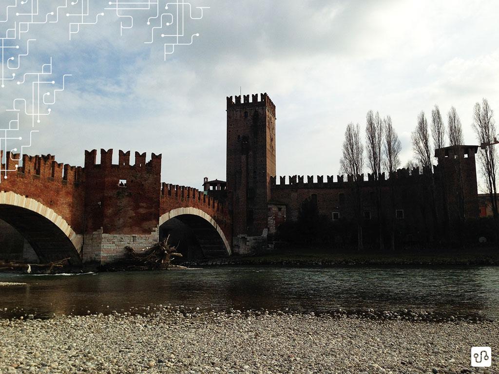 Ponte di Castelvecchio em Verona - A cidade de Romeu e Julieta fica a 140 km de Milão