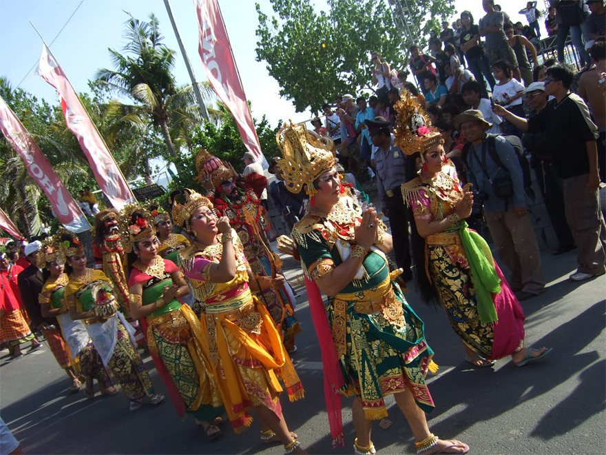 19. Kuta Karnival Parade by indosurflife.com
