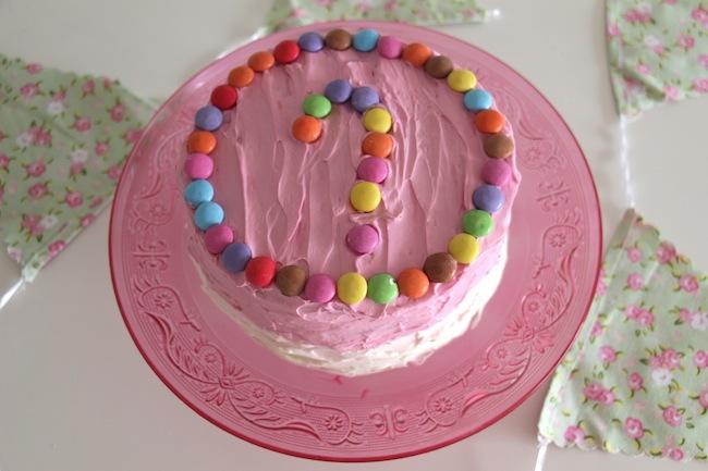 Piñata_cake_aux_smarties_25