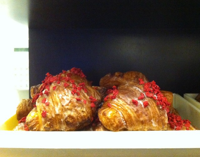Ispahan croissant