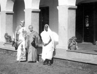 Vesta Miller and Irene Weaver, Shantipur, India, 1973