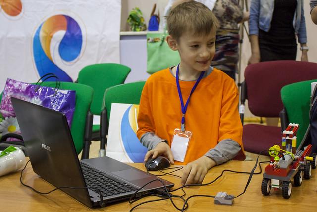 Участник форума образовательно робототехники в Сыктывкаре