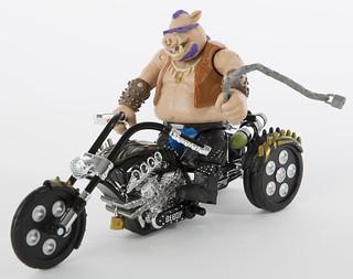 《忍者龜:破影而出》比巴 & 三輪重機同捆組 SDCC 限定版 SDCC Exclusive Playmates Bebop with Trike