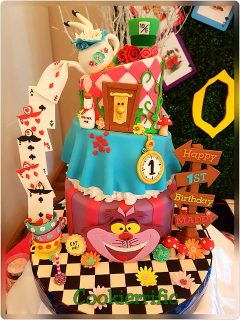 Alice in Wonderland Themed Cake by Mitzelle Andres-Tani of Cookierrific