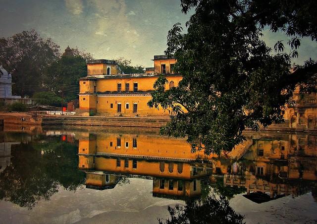 INDIEN, india - See in Khajuraho mit schöner Spiegelung, 14153
