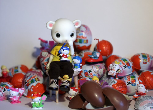 a great number of Kinder surprises makes one happy)