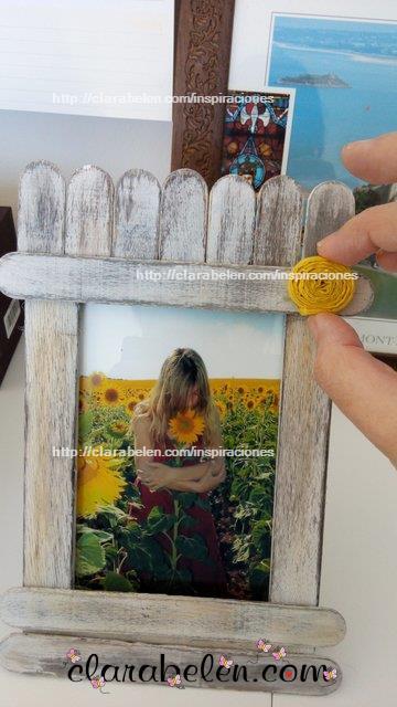 Como hacer un marco de fotos para el dia de madre con palos de polo o abatelenguas o palos de mantecado