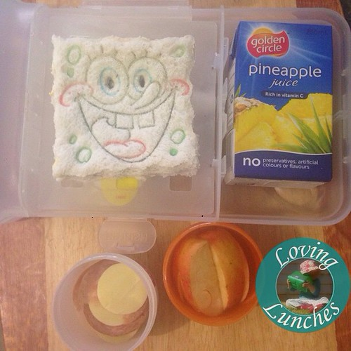 Loving an easy lunch for Monday… and of course I had to pack pineapple juice �� #SpongeBob cutter & press a post Christmas sales bargain. In our @smashenterprises #nudefoodmovers #iloveNFM #iloveSMASH #SquarePants